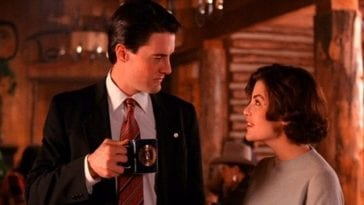 Audrey Horne and Dale Cooper drinking coffee