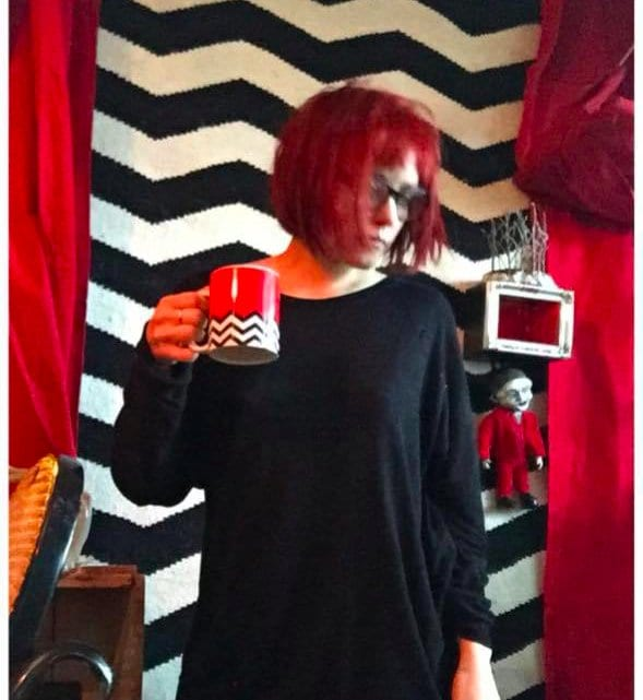 Gisela with Twin Peaks objects