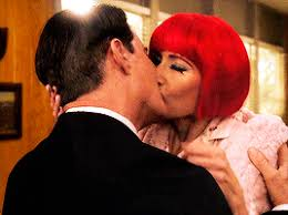 Dale and Diane kiss when they are reunited