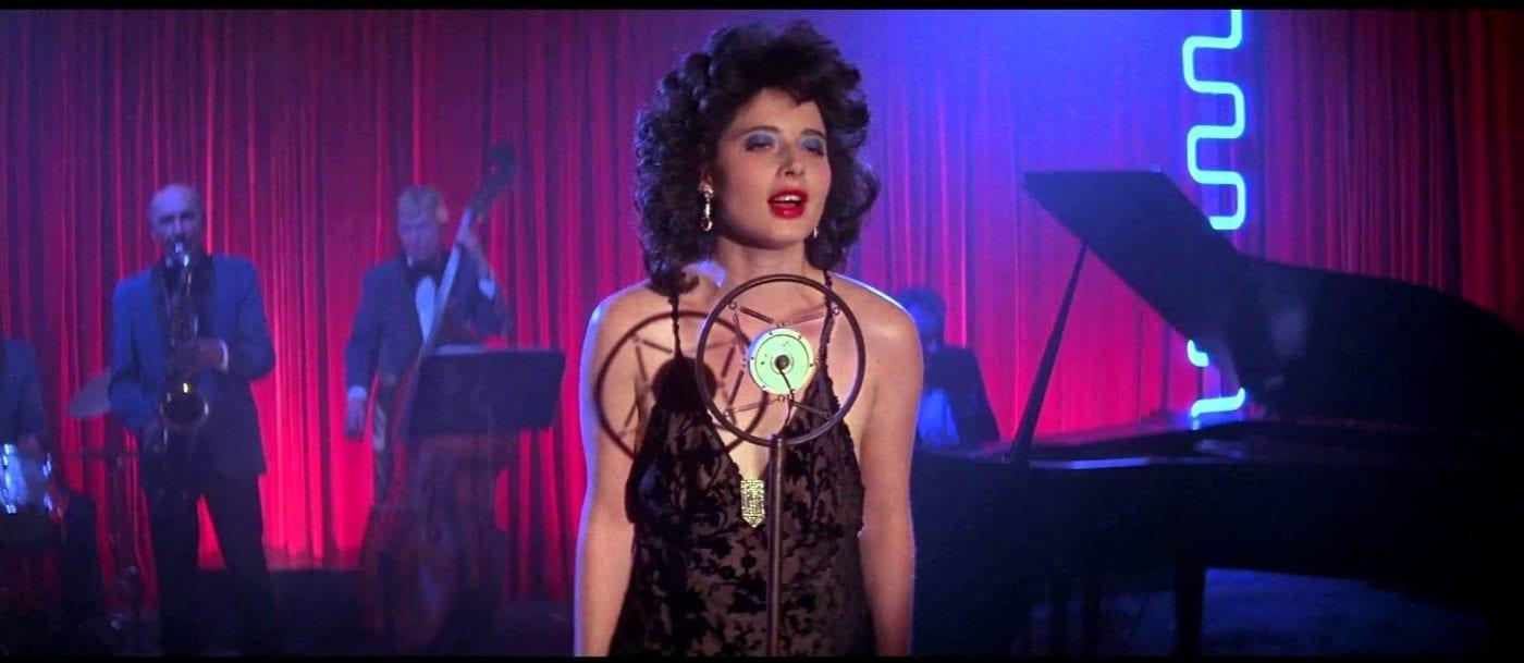 Dorothy Vallens sings on stage in Blue Velvet