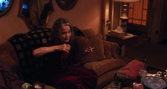 twin-peaks-return-recap-episode-1-2-21-1495493327-640x342