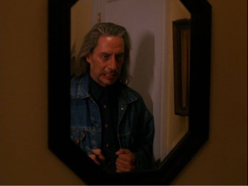 bob looking in the mirror Twin Peaks