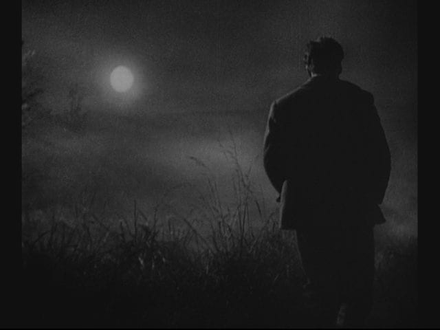 Light and shadow help to externalize inner darkness in Murnau's <em>Sunrise: A Song of Two Humans</em> (1927).