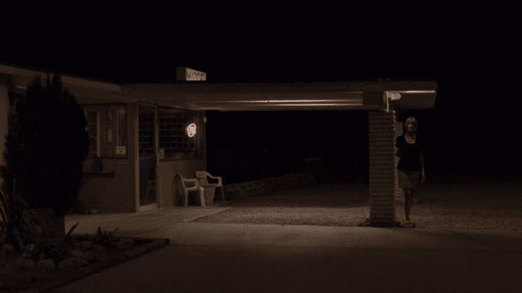 Dianes dweller on the threshold of a motel