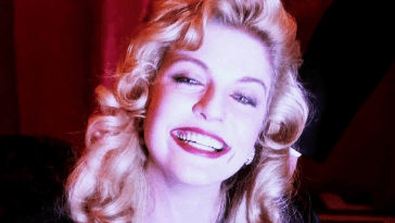 Laura Palmer laughs in the red room