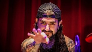 mike portnoy on the drums