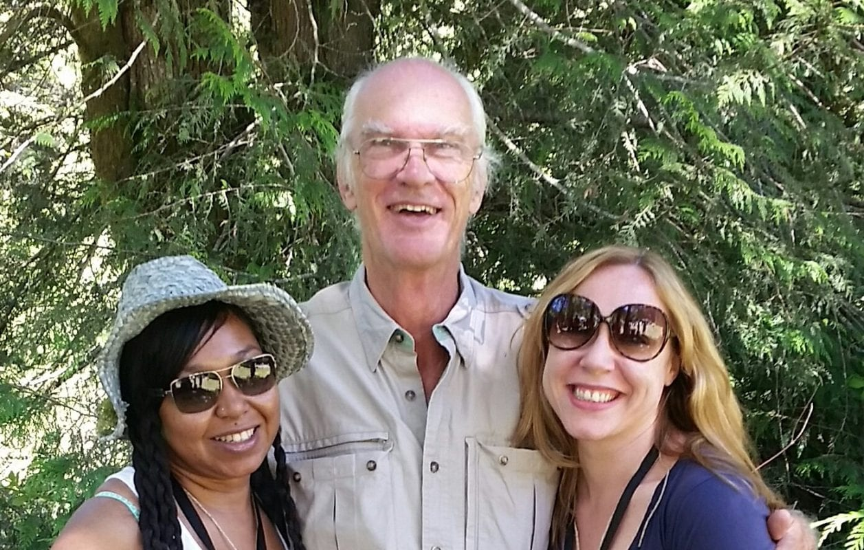 Mya and her friend Geneva with Gary Bullock (Sheriff Cable) at the 2016 Twin Peaks Festival
