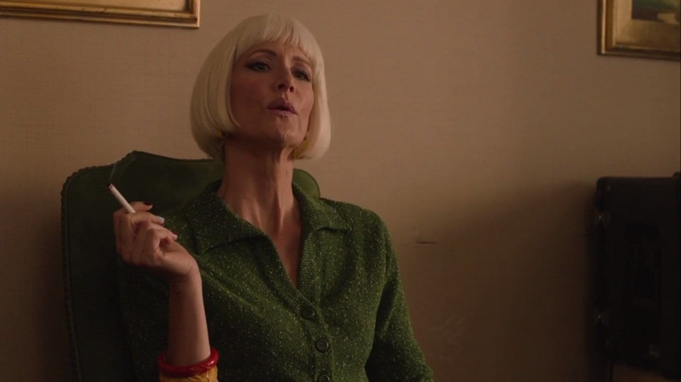 Laura Dern as Diane Evans smokes a cigarette in Twin Peaks