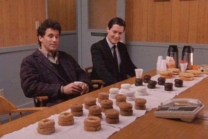 06-twin-peaks-donuts.w710.h473.jpg