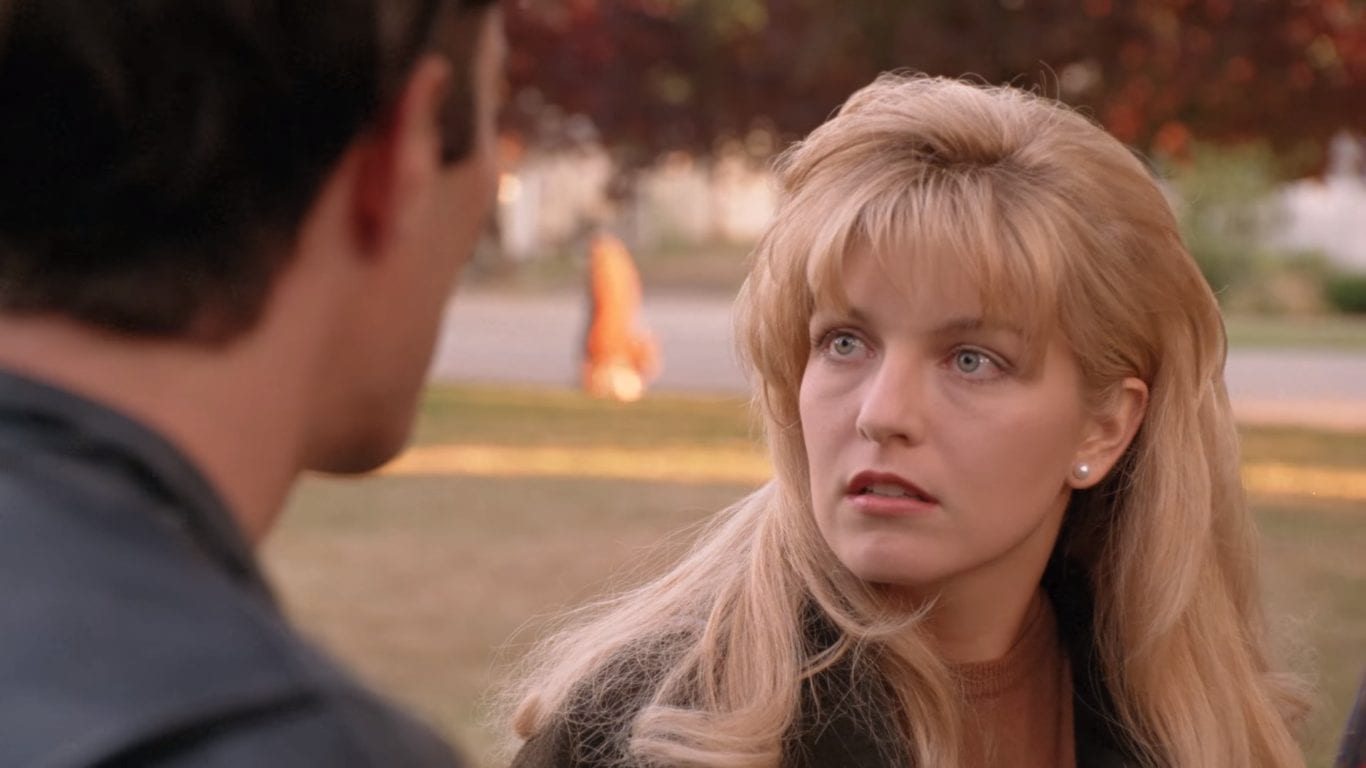 Sheryl Lee as Laura Palmer giving Bobby a hard look