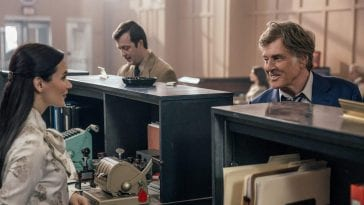 Robert Redford in The Old Man & the Gun chatting to a young pretty female bank clerk