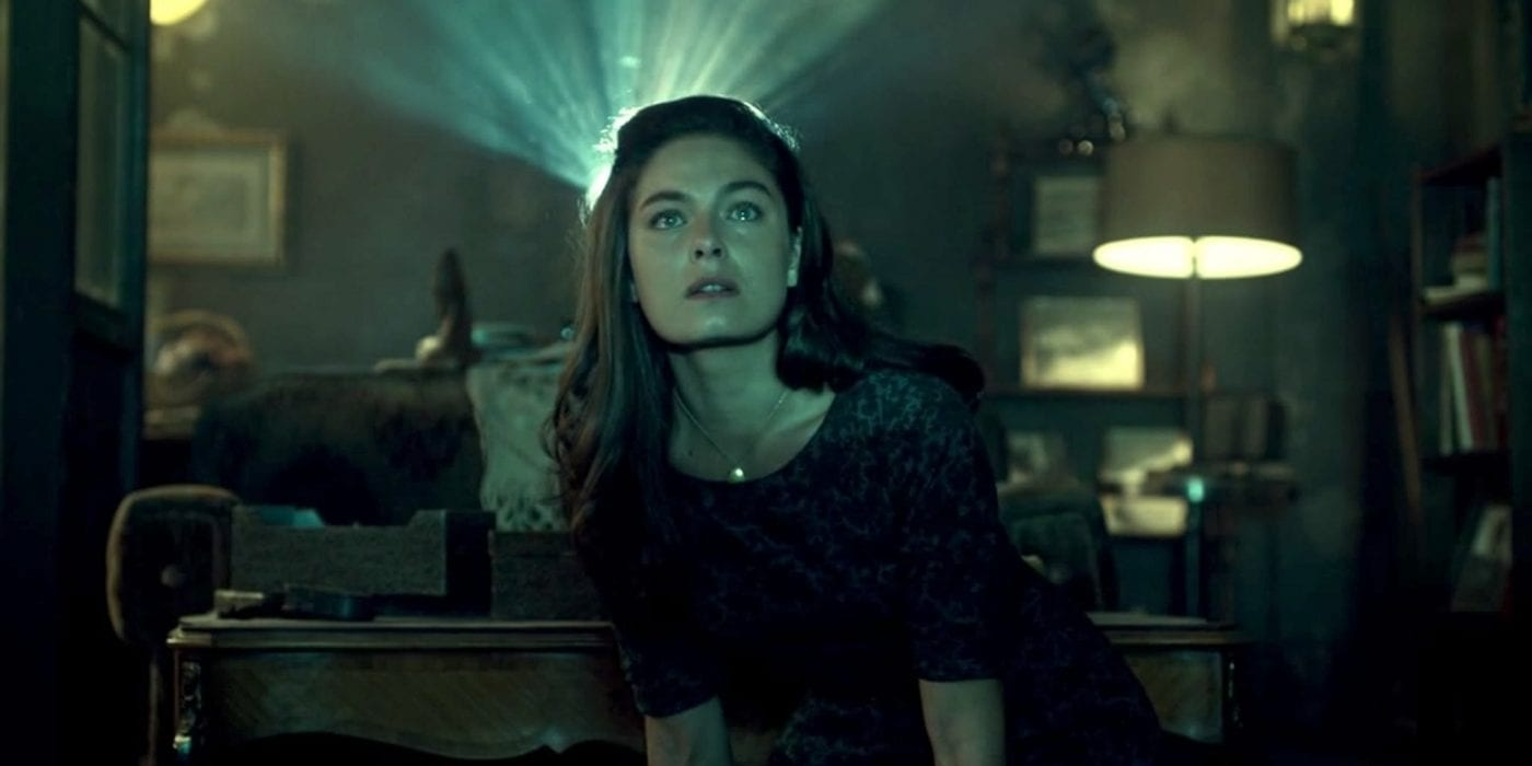 Juliana Crane (Alexa Davalos) serves as an audience surrogate, amazed at a vision of an alternate-history World War II