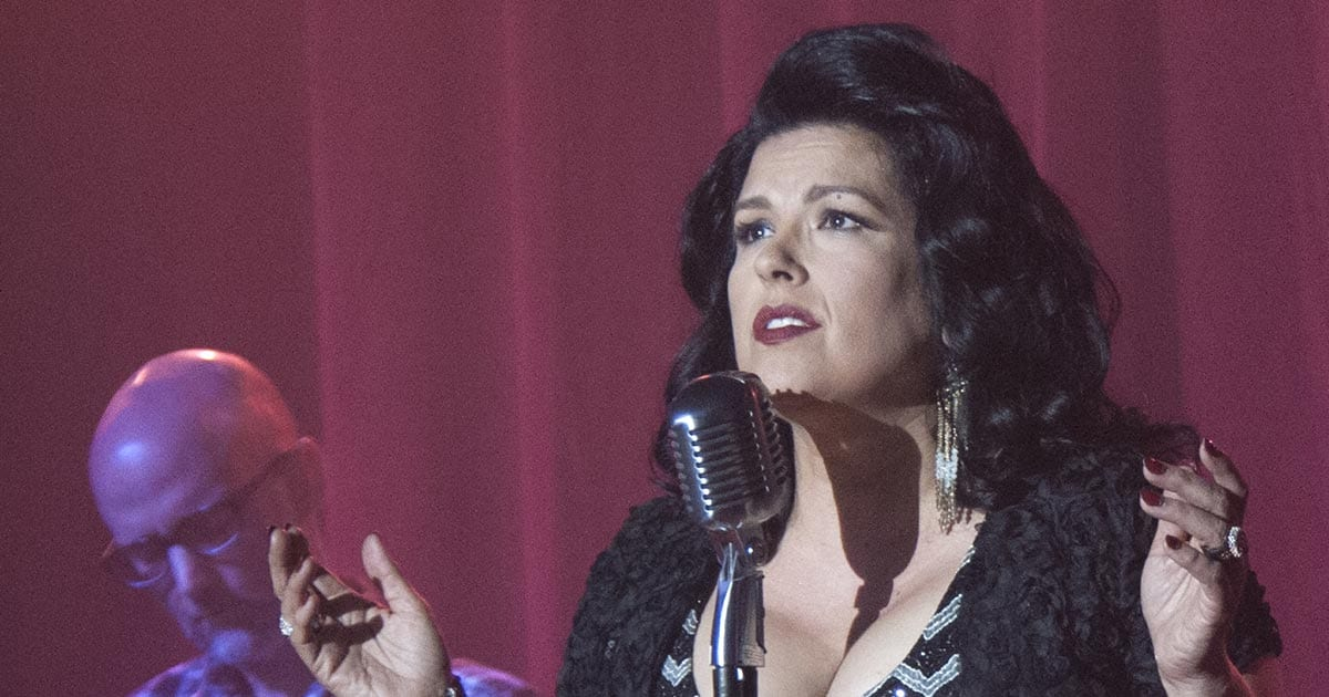 Rebekah Del Rio sings 'No Stars' in Twin Peaks: The Return, with Moby