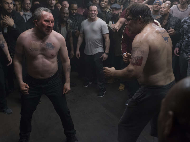 Terry annhiliates his opponent in the boxing ring, Ray Donovan S6 'Pudge'