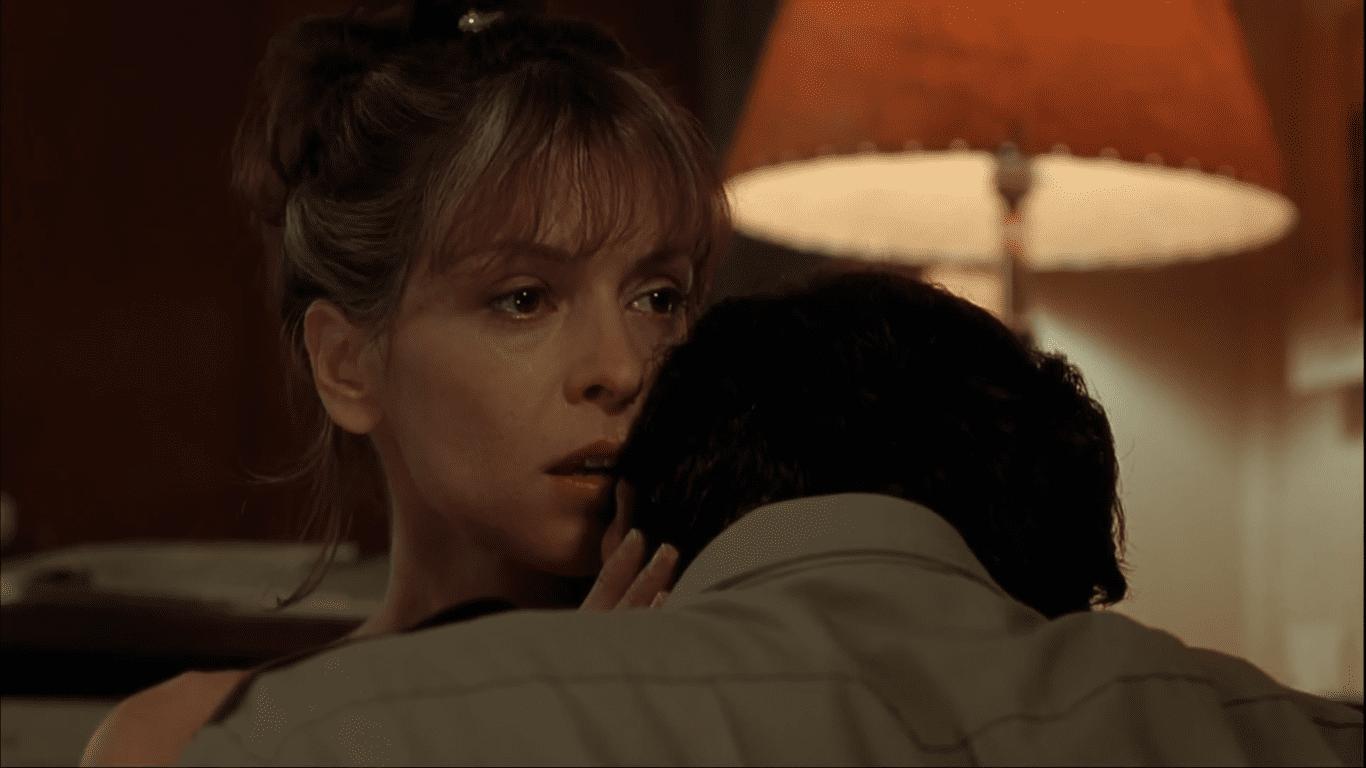 Annabella Sciorra as Liz Randone in Cop Land