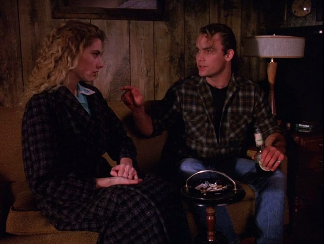 Leo telling Shelly she's only allowed to smoke one brand of cigarette, Season 1 Twin Peaks 1990