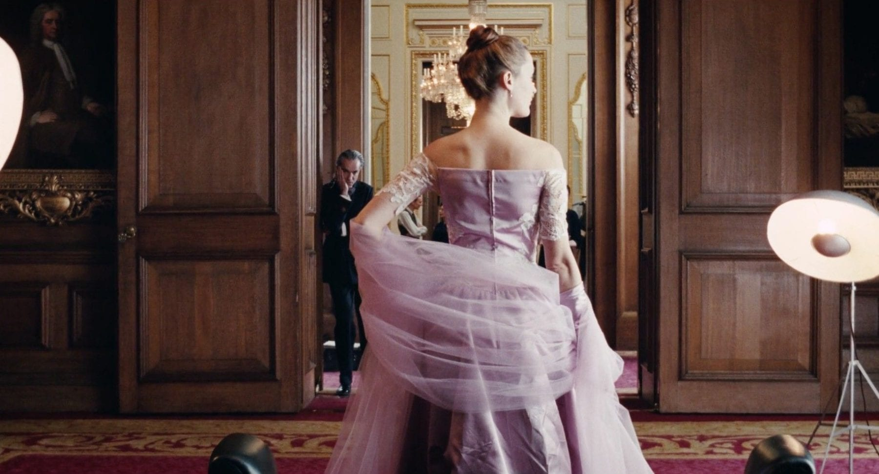 alma phantom thread vicky krieps