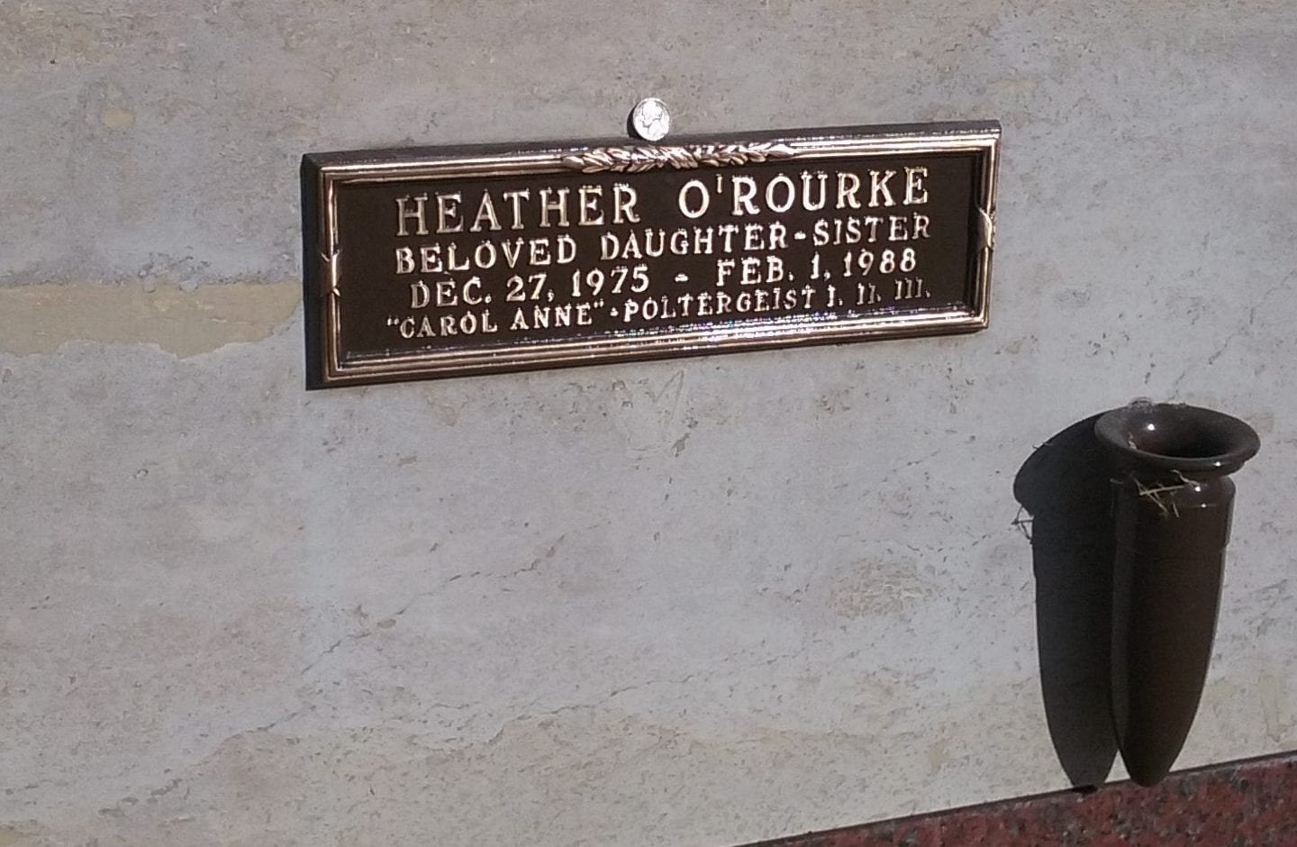 the grave stone of Heather O'Rourke, the actress who played Carol Anne in Poltergeist
