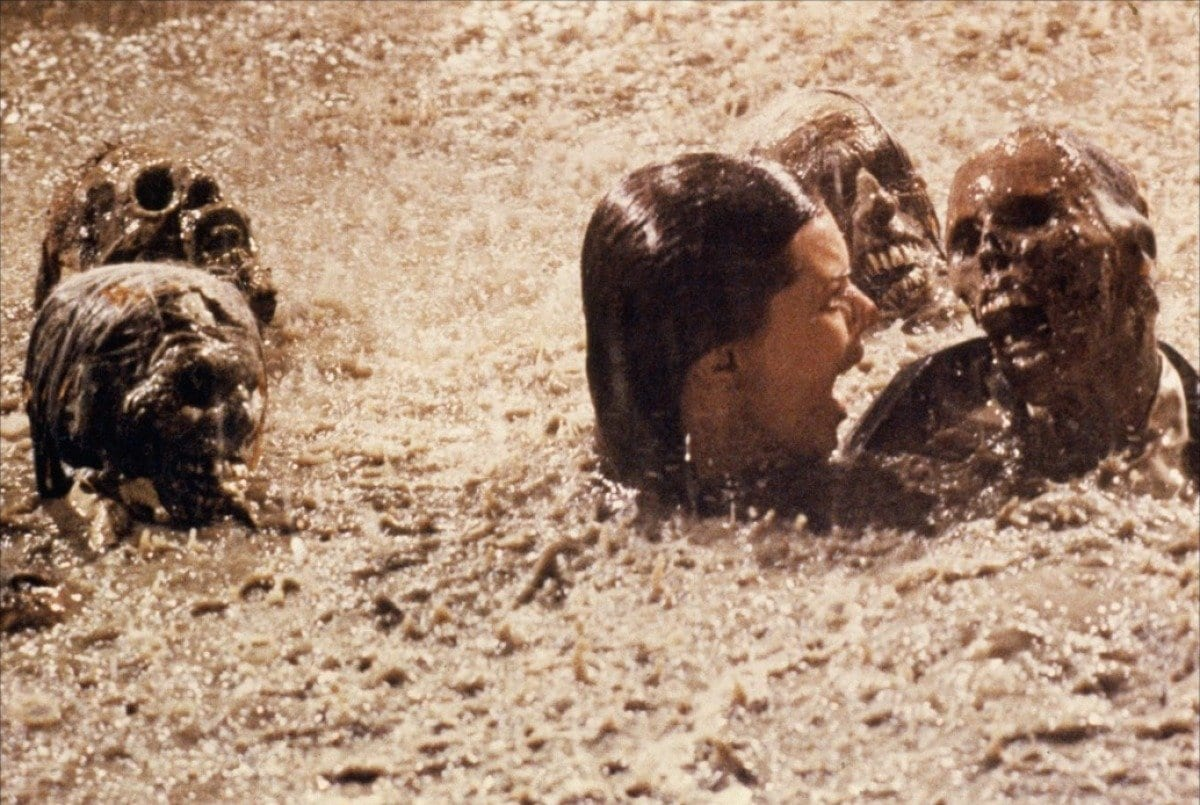 Diane Freeling in a pool with skeletons in Poltergeist