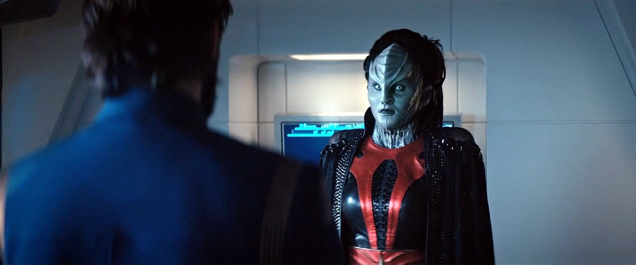"L'Rell confronts Tyler in Star Trek: Discovery Season 2 Episode 12 ""Through the Valley of Shadows"""