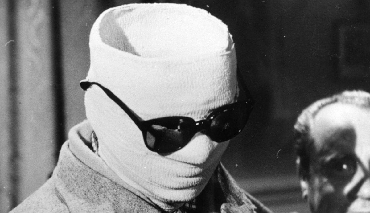 Elizabeth Moss is set to star in Leigh Whanell's upcoming remake of The Invisible Man.