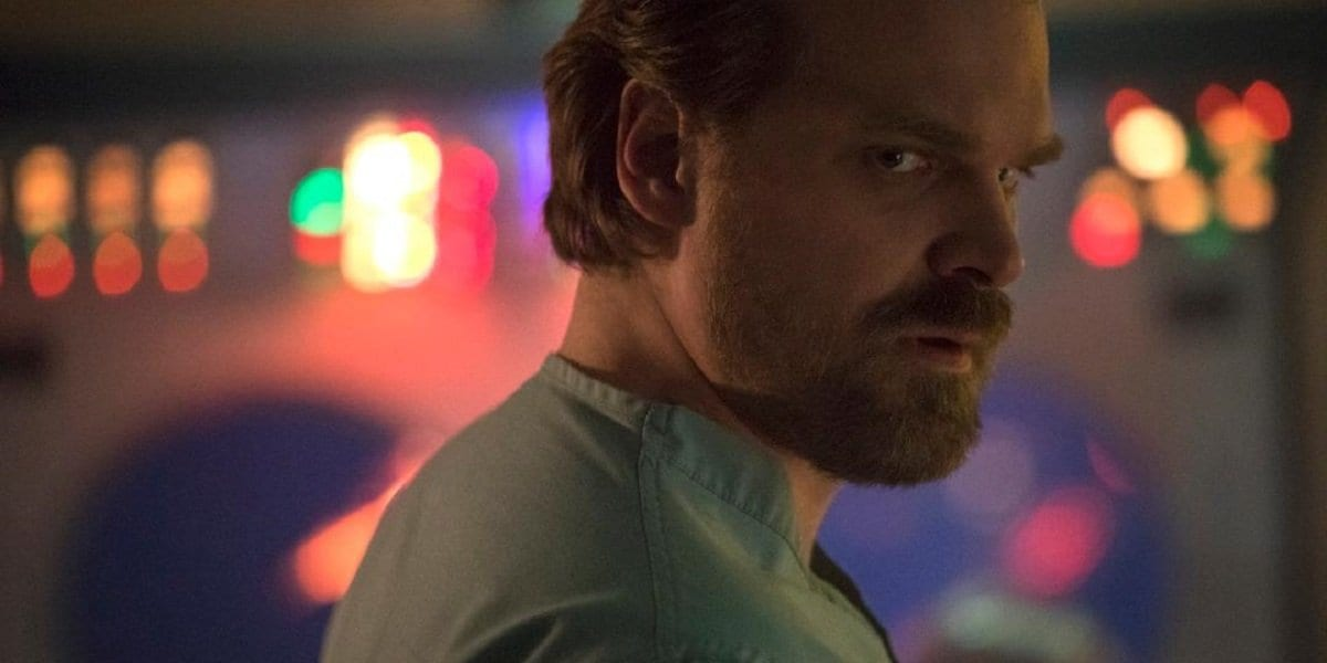 Chief Hopper will return in season 3 on July 4th.