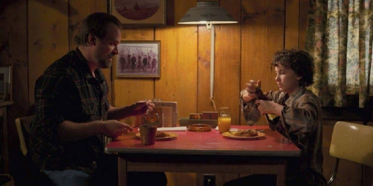 Hopper and Eleven talk over Eggos.