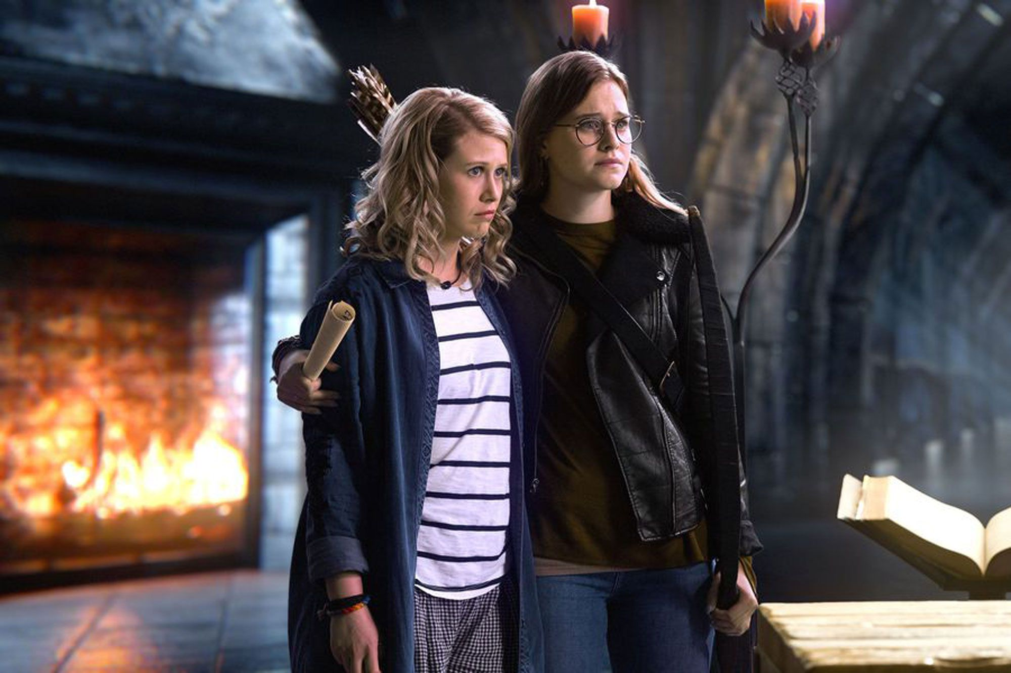 Tilly (Elle McKinnon) and Robin (Tiera Skovbye) in Once Upon a Time