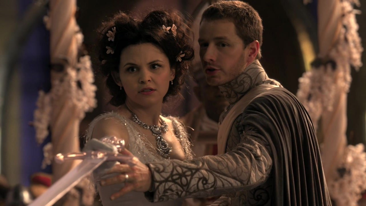 Snow White (Ginnifer Goodwin) and Prince Charming (Josh Dallas) defend themselves in the pilot of Once Upon a Time