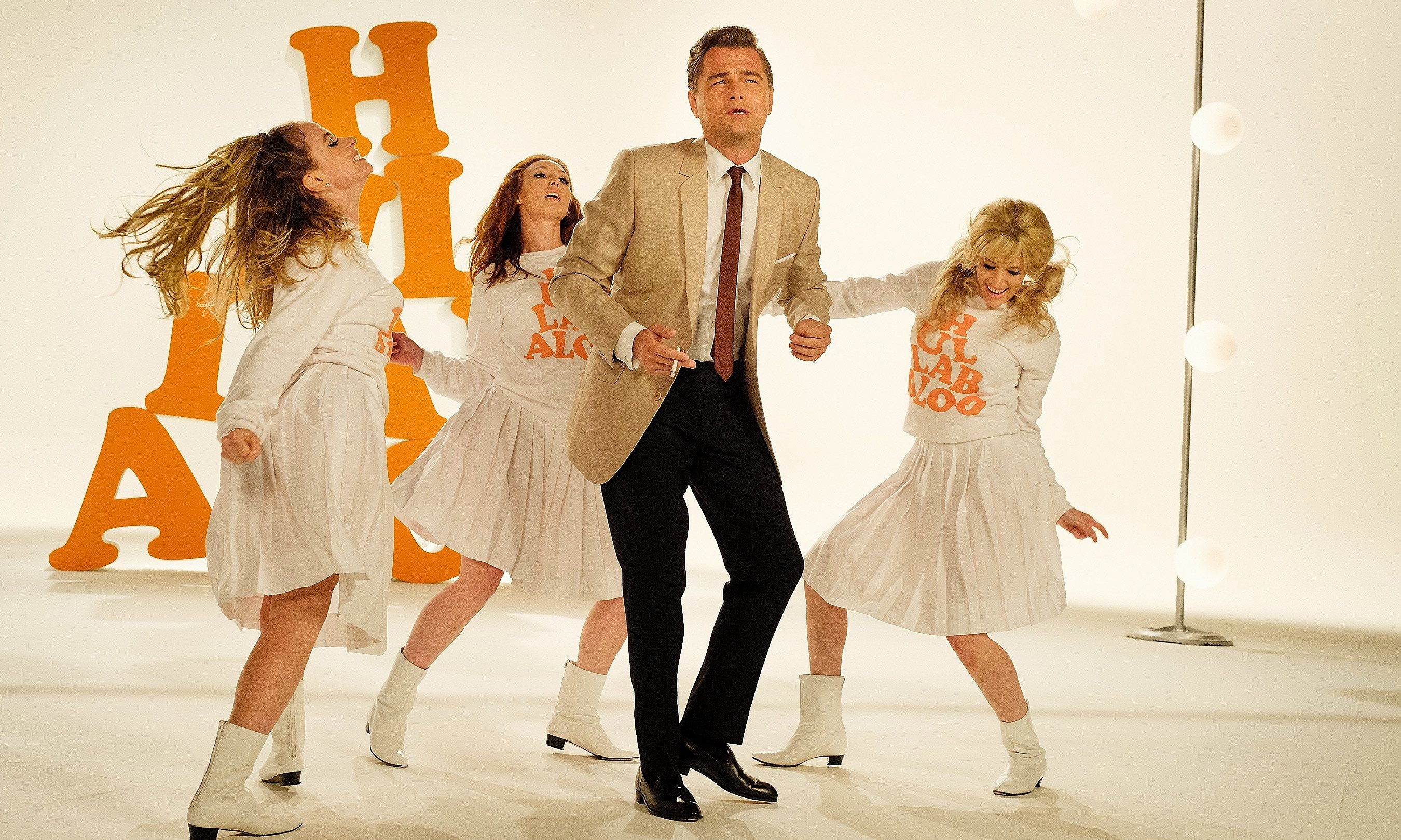 actor leonardio Dicaprio dancing in the movie Once Upon a Time in Hollywood