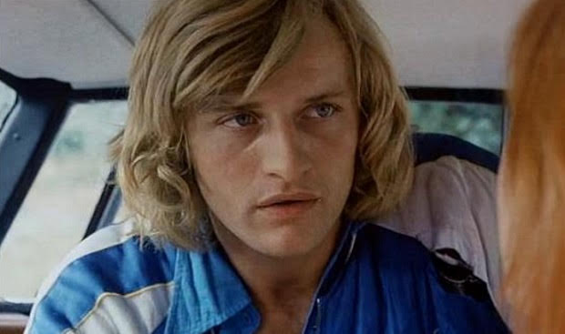 A young Rutger Hauer with blond hair and blue eyes