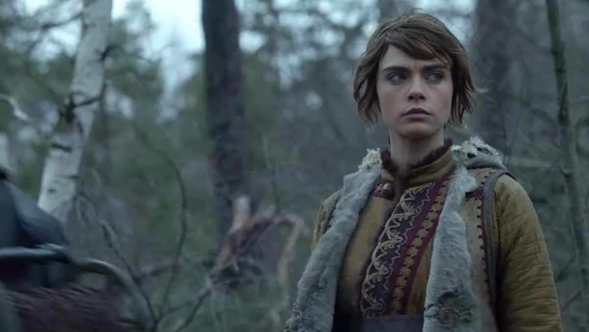 Cara Delevigne is lost in the forest