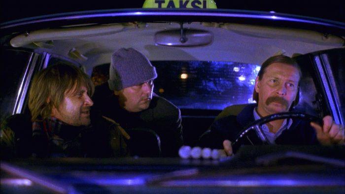 Cab driver Mika (Matti Pellonpää) in Helsinki tells a story of a tragic loss to his passengers