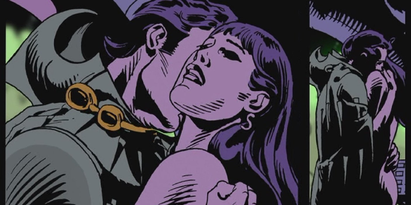 Nite Owl and Silk Spectre in a passionate embrace in the Watchmen graphic novel