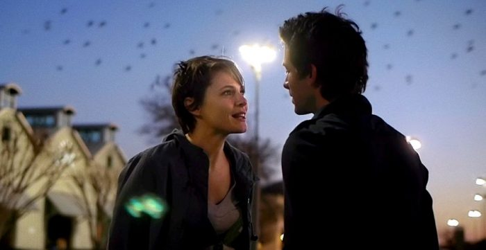 Romance blossoms between Shane Carruth and Amy Siemetz under a flock of starlings in Upstream Color