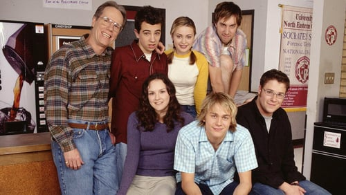 Hal, Steven, Lizzie, Rachel, Marshall, Lloyd and Ron pose together for some marketing for Undeclared.