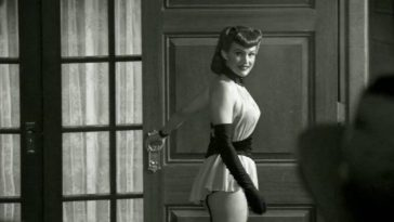 The Silk Spectre in her hey day