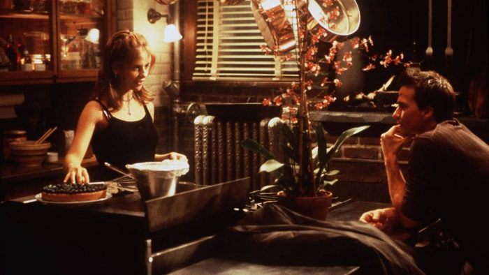 "Sarah Michelle Gellar and Sean Patrick Flannery share a date scene before the fog of romance in ""Simply Irresistable"""