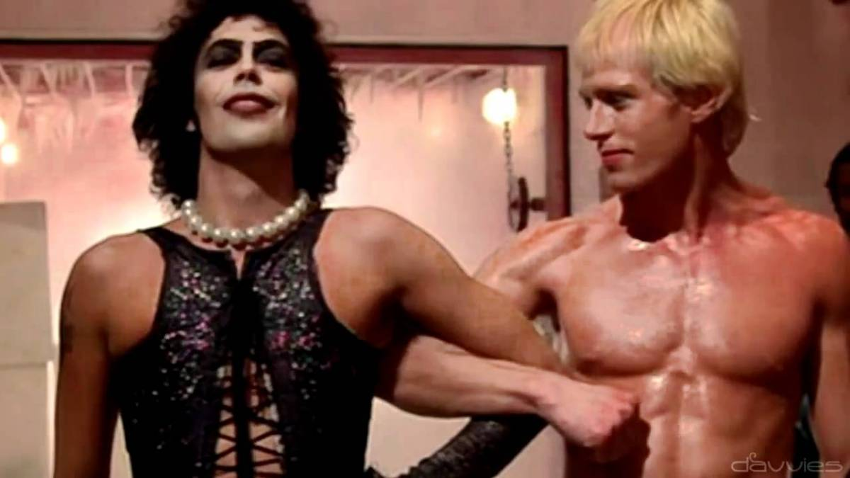Dr Frank N. Furter and Rocky link arms