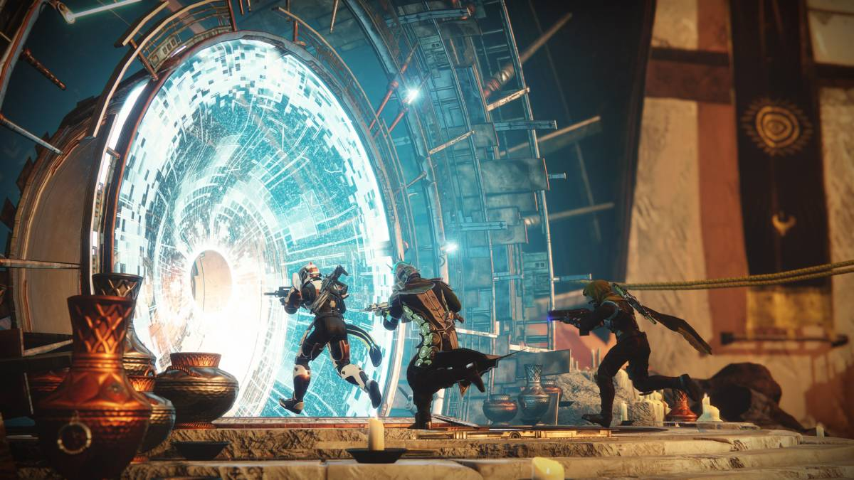 3 soldiers run into a star gate in destiny