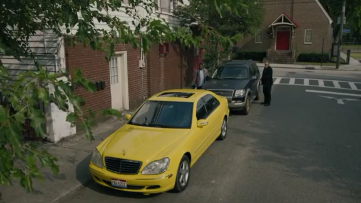 Mr Mercedes - Bill and Jerome look at the Mercedes painted yellow parked in front of Bill's SUV