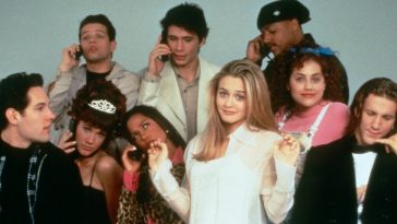 Clueless Cast Alicia Silverstone, Stacey Dash on phone, Paul Rudd, Brittany Murphy, Breckin Meyer pretending to be on a phone, Donald Faison on a phone, Elisa Donovan on a phone, Justin Walker on a phone and Jeremy Sisto on phone