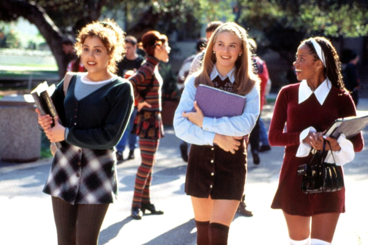 Cher, Tai and Dionne are walking to class and laughing
