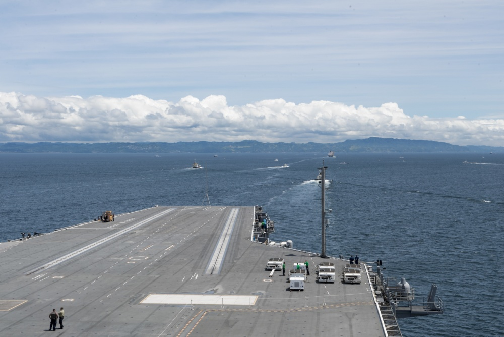 USS Ronald Reagan sails the ocean