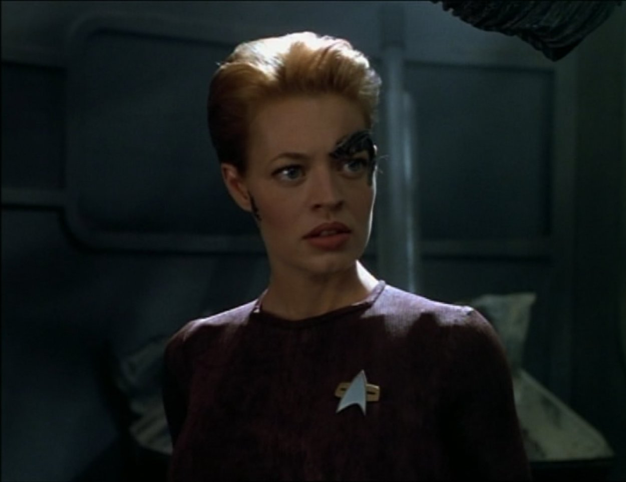 Seven of Nine explores a wrecked spaceship