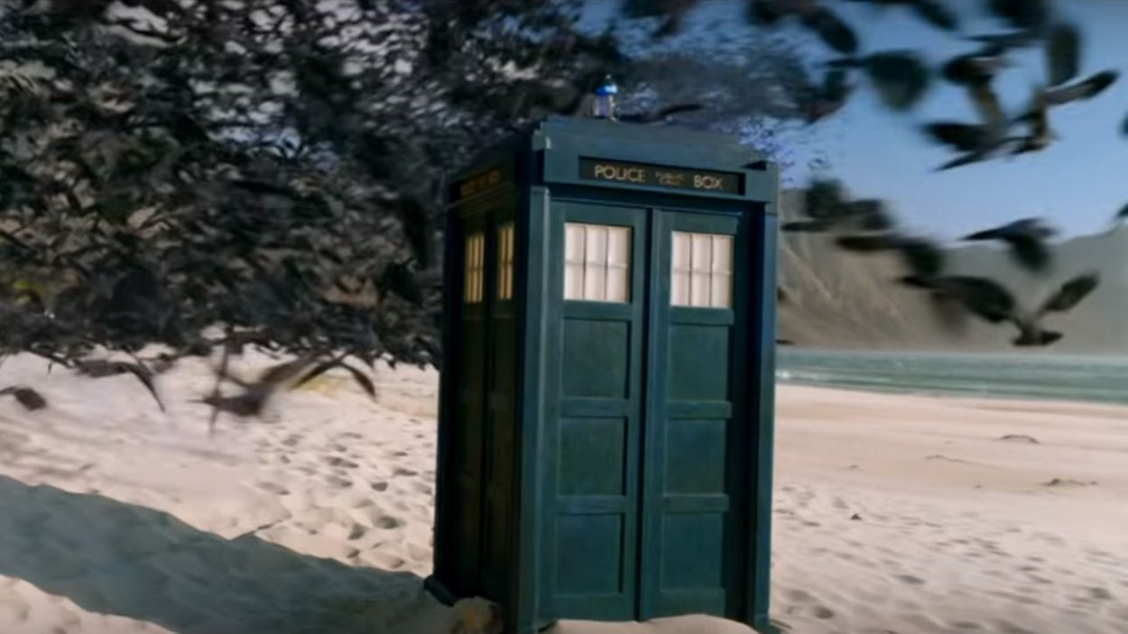 """The TARDIS is attacked by birds in Doctor Who S12E6: """"Praxeus"""""""