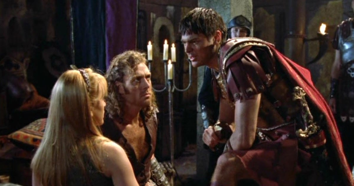 Caesar explaining something to Gabrielle and Khrafstar