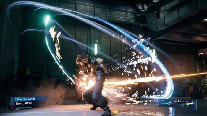Cloud fights a Soldier in Final Fantasy VII Remake.