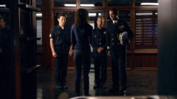 Kono talks to Chin, Danny and Steve