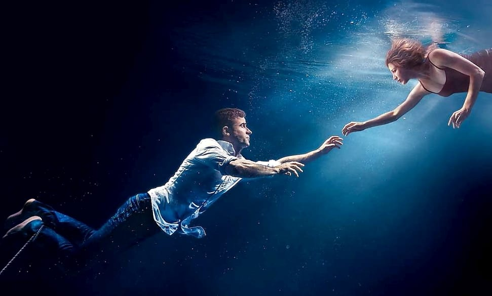 Kevin reached for Nora underwater in a promo for The Leftovers